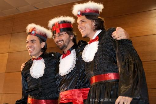 Luciano, Pedro e Marcos, jornalistas.